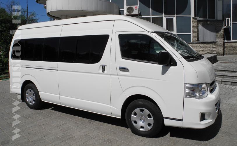 Аренда микроавтобусов Toyota Hiace