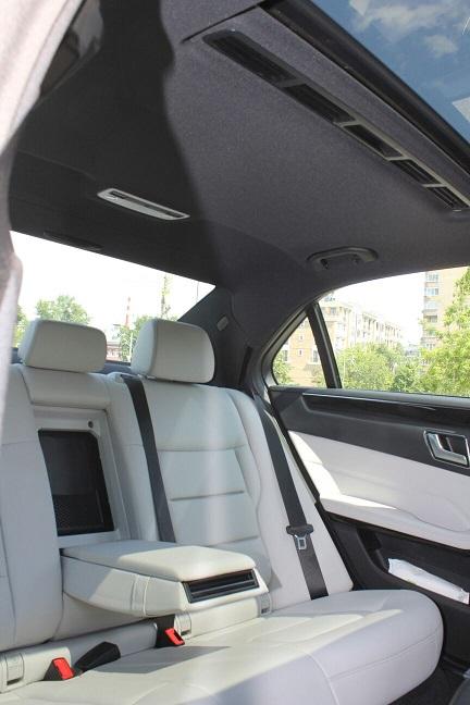 Аренда автомобиля с водителем: Mercedes-Benz E 220